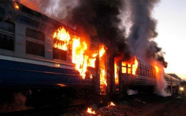 Пожежа в тернопільському поїзді: перші фото
