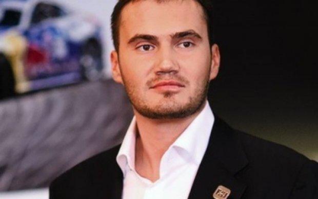 Опубликовано шокирующее фото могилы Януковича-младшего