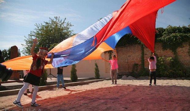 У Кіровограді встановили священний вірменський хрест (фото)