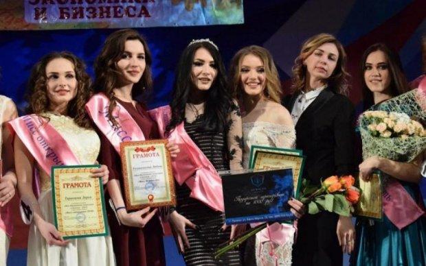 """Конкурс """"красоты"""" в Луганске долго не даст уснуть впечатлительным украинцам: осторожно, фото"""