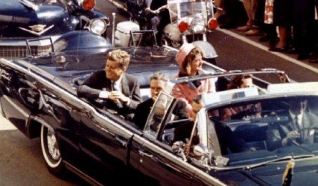 Номер авто Кеннеди продали за сто тысяч долларов