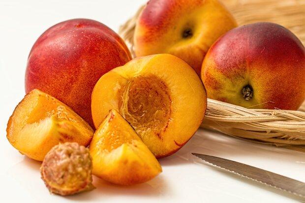 Персики, фото Pxhere