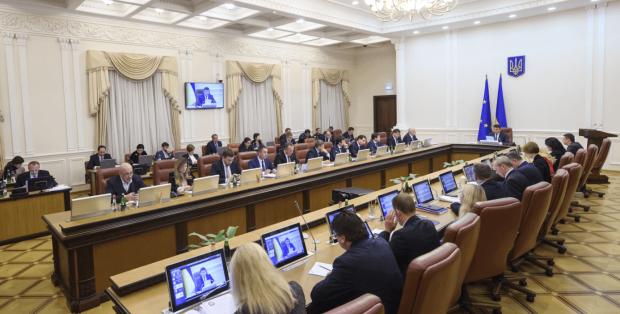 У Гройсмана рассказали, когда на оккупированных территориях появятся украинские пенсии: выход только один