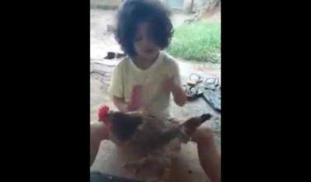 Животный маникюр сделал девочку звездой YouTube