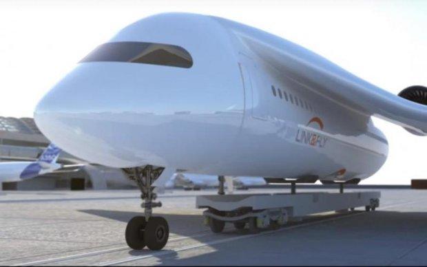 """Майбутнє настало: у Франції показали """"літаючий поїзд"""""""