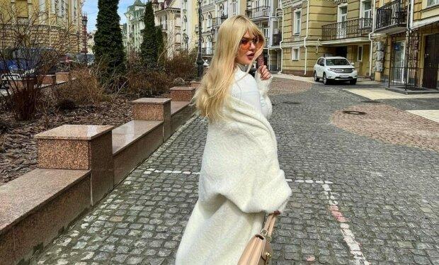 """Елена Филонова на отдыхе набросилась на задницу подружки: """"Роскошь"""""""