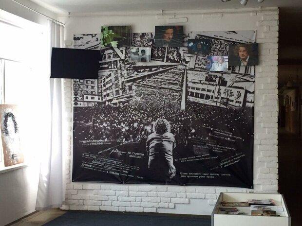 """Рідна школа Кузьми Скрябіна під Львовом перетворилася на другий дім легендарного співака: """"Пам'ятаємо, любимо"""""""