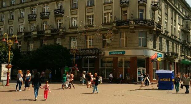 Нардепы-миллионеры из Прикарпатья заставили украинцев заплатить за шикарное жилье в Киеве