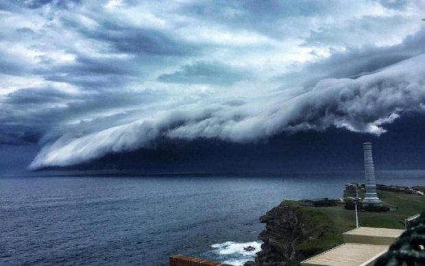 Величезна хвиля в небі не на жарт налякала канадців