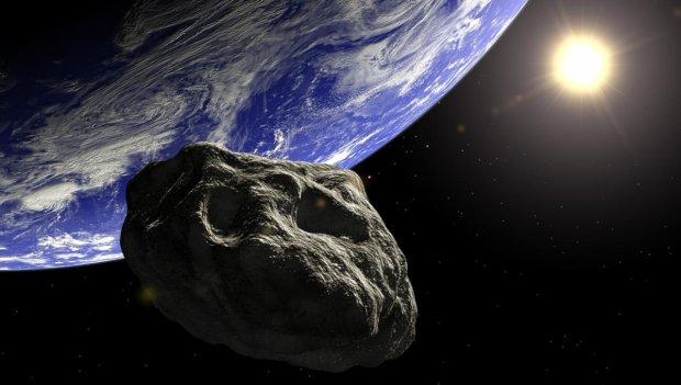 Несется на всех парах: астрономы обнаружили еще одного палача Земли