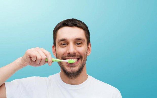 Вчені знайшли незвичайну заміну зубній пасті