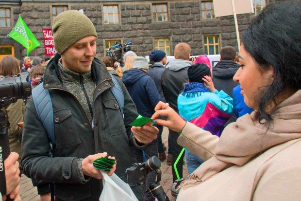 Марш свободы в Киеве: украинцы окружили Кабмин Гройсмана и выдвинули жесткие требования