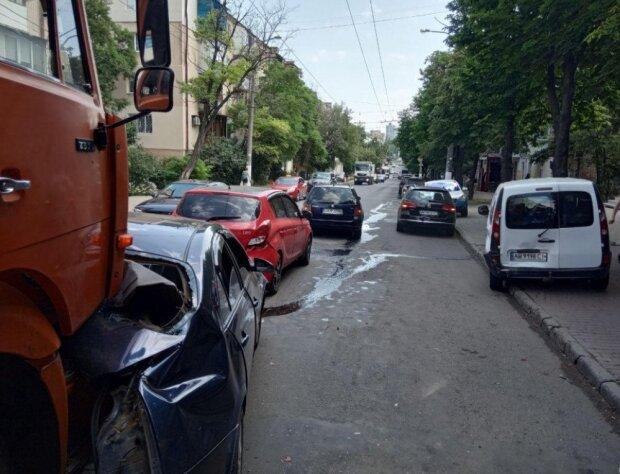 Машини на металобрухт: аварія на трасі Одеса-Київ жахнула очевидців