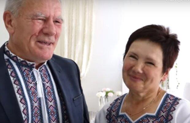 """Супруги с Тернопольщины отгуляли """"рубиновую"""" свадьбу и поделились бесценным секретом - 40 лет душа в душу"""