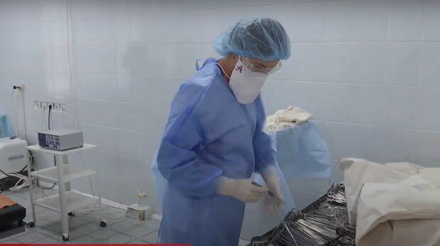 медики, скріншот із відео