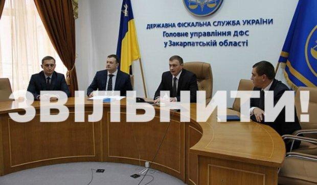 Яценюк требует уволить всех работников закарпатской таможни