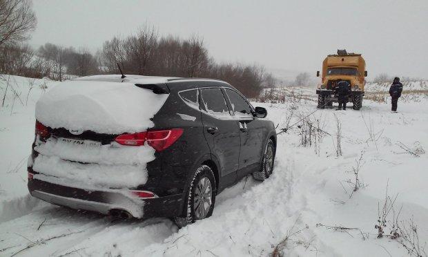 Туристичні дороги шокували українців станом: 30 км їдеш більше години