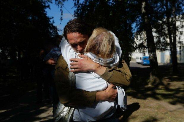 """""""Освобожденный из изолятора"""" Фото: Sergei Grits / AP / ТАСС"""""""
