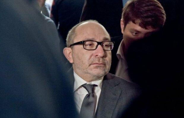 """Кернес закопає в клумби 22 мільйони і """"втопить"""" Харків у квітах"""