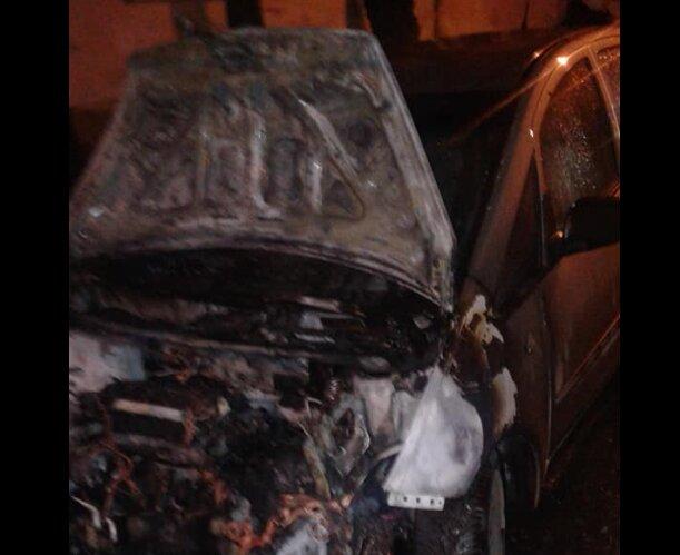 """Во Львове сожгли автомобиль известного журналиста, дикие кадры из """"лихих 90-ых"""""""