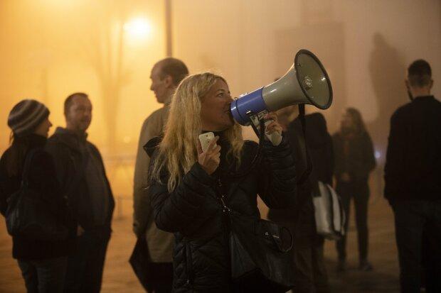 """""""Твоя шуба кричала перед смертью"""": под стены Верховной Рады пришли активисты из 15 стран мира"""