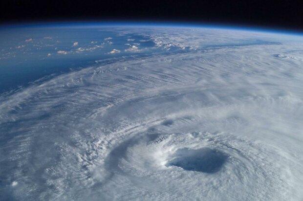 Впервые за 40 лет: NASA зафиксировало аномальное поведение озоновой дыры