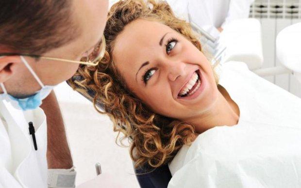 Голлівудська посмішка: відбілюємо зуби без стоматолога