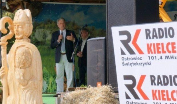 Ющенко прилетел на праздник пчел в Польшу (фото)