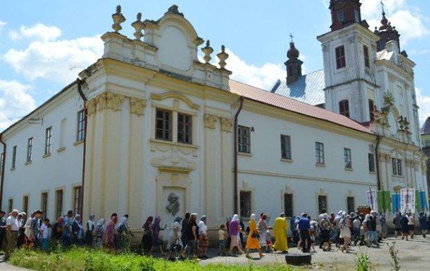 В УПЦ (МП) заявляют о захвате их храма в Богородчанах и избиении верующих