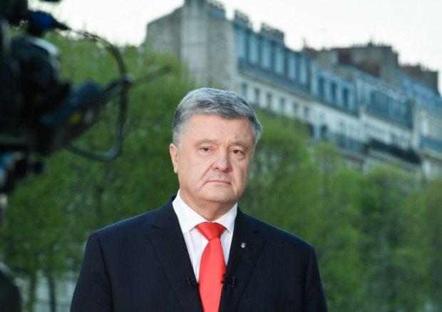 """Порошенко пролітає повз Раду: нове соцопитування показало, що українці думають про """"Європейську солідарність"""""""