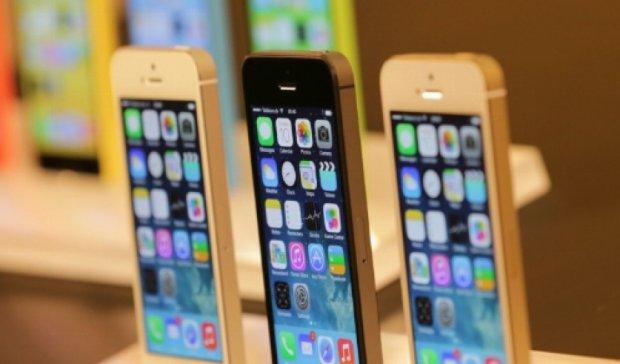 Проводница поезда Москва — Киев везла контрабандных iPhone на 100 тыс грн