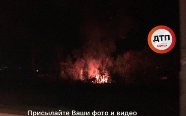 У Києві спалахнув циганський табір