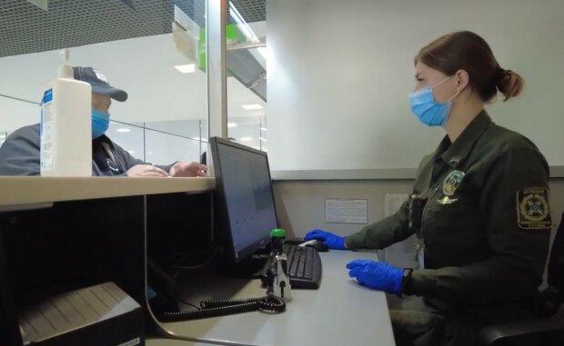За кордон пускають не всіх: кого 100% повернуть в аеропорту додому і чому