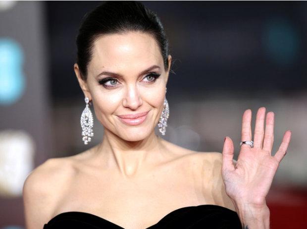 Бред Пітт закохався у відому акторку: Джолі вже готує план повернення
