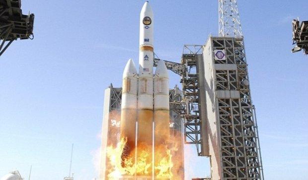 Найпотужнішу  ракету вивели на орбіту Землі
