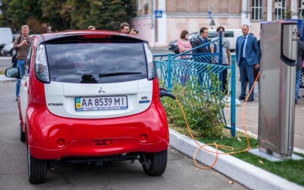 Українці масово скуповують електромобілі: найпопулярніші моделі