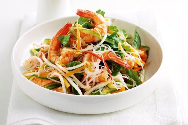 Рецепт вьетнамского крабового салата с рисовой лапшой