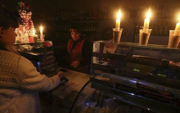 Коротнуло не по-дитячому: блекаут в Криму поставив на вуха соцмережі