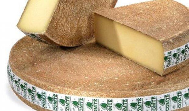 Злодії вкрали з французької фабрики елітного сиру на €40 тисяч