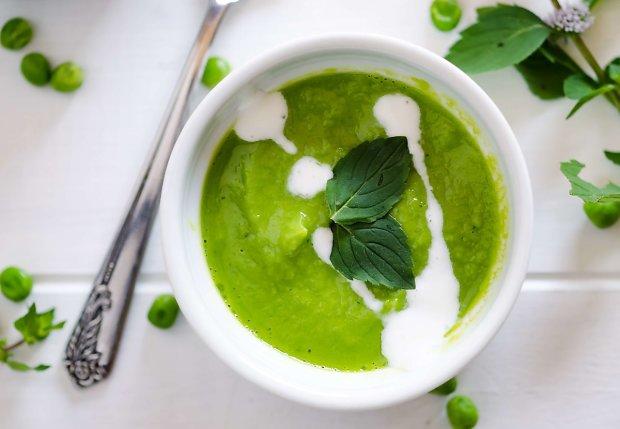 Гороховий суп з м'ятою: низькокалорійний рецепт