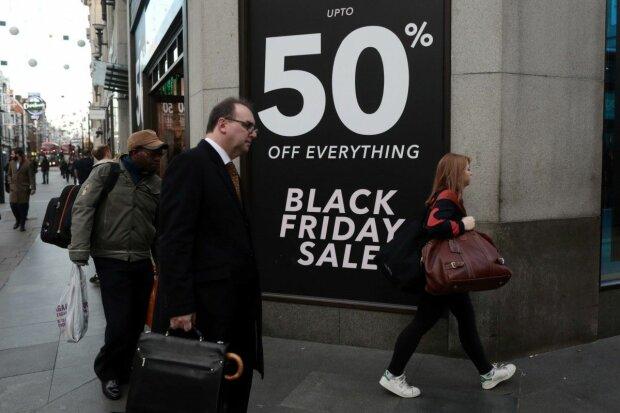 """Распродажа в """"Черную пятницу"""", фото: REUTERS"""