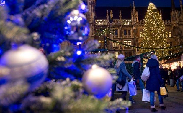Українські зірки розповіли про найкращі подарунки на Новий рік: тапки з оленями і квиток до Індії
