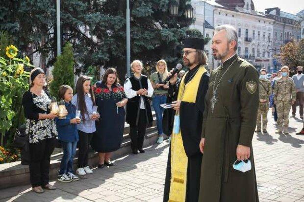 У Чернівцях вшанували пам'ять воїна Василя Паламарюка, фото pogliad.ua
