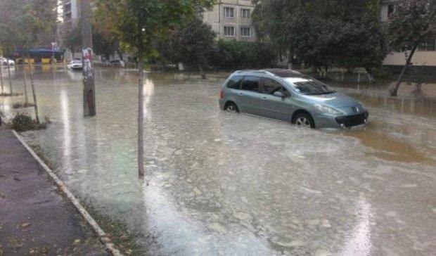 Столичну Борщагівку затопило