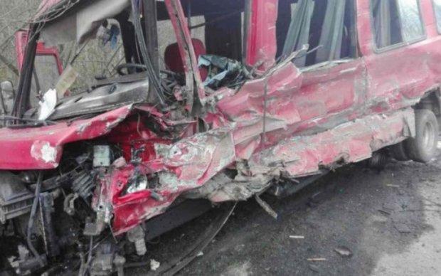 Авария на Хмельнитчине: более десятка раненых