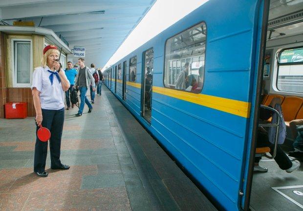 Смертники отдыхают: пьяный смельчак устроил в киевском метро жуткое шоу