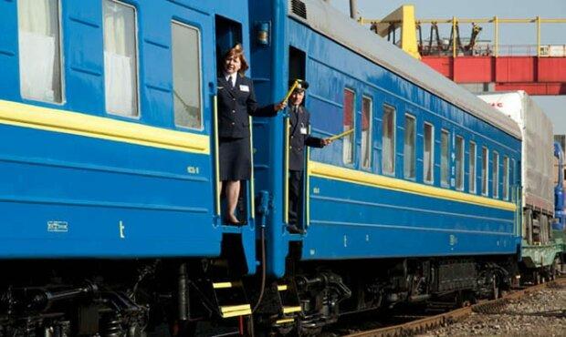 """В поезде Киев-Запорожье ребенка с инвалидностью поставили """"на счетчик"""", цинизм высшей марки: скандал прогремел на всю Украину"""