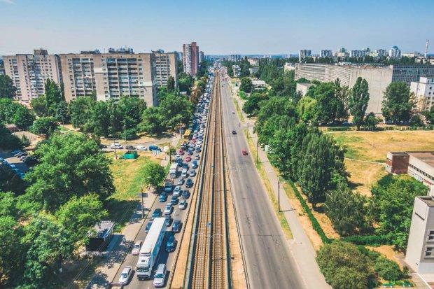 Київ застиг у гігантських заторах: як об'їхати