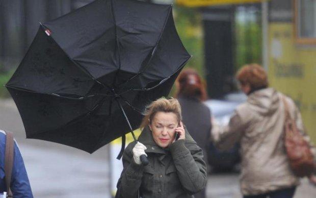 Будьте осторожны! На Украину надвигается мощный шторм