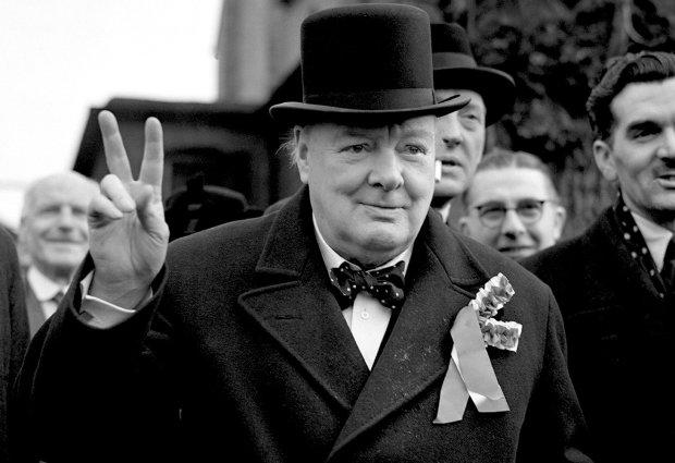 """""""З того часу, як затвердилася демократія, у нас одна війна змінюється іншою"""": День народження Вінстона Черчилля, цікаві факти про видатного політика"""